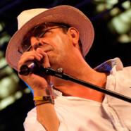 Raúl García … Voz solista